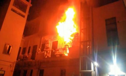Tragedia in pieno centro di Messina, un incendio toglie la vita a due fratellini