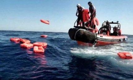 Naufragio al largo della Tunisia, oltre 50 i migranti morti