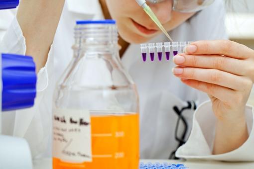 Tumori, nuovo farmaco precisione efficace contro cancro vie biliari