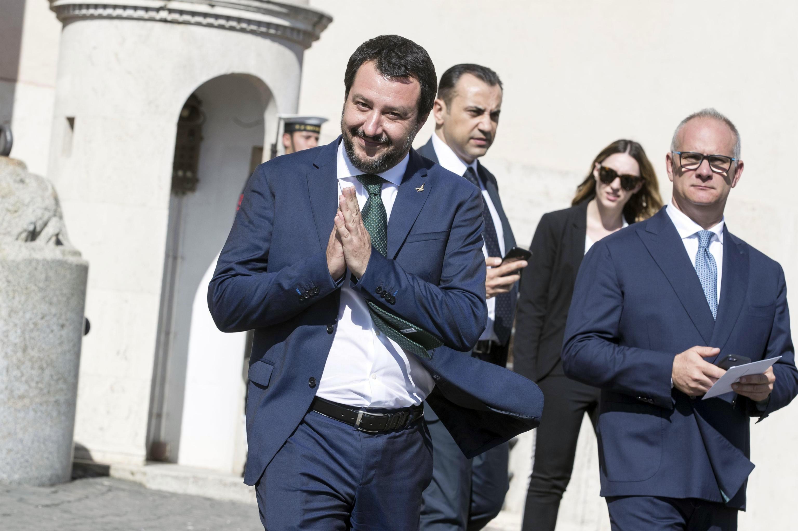 """""""No processo a Salvini"""", Giunta Immunità respinge richiesta del Tribunale ministri. Sale la tensione nel M5s"""
