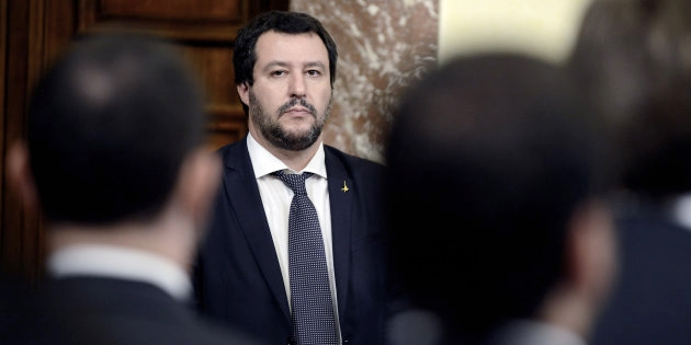 """M5s ancora diviso sul """"processare"""" Salvini. Ministro presenta memoria in Giunta"""