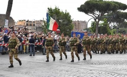 """2 giugno: 5mila in sfilata ai Fori, centro Roma """"blindato"""""""