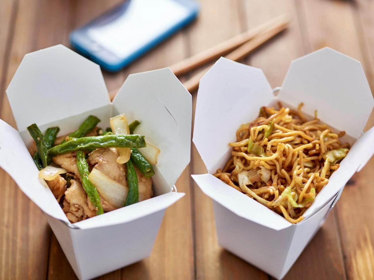 E' boom del cibo pronto in consegna, aumenta anche la spesa fatta online