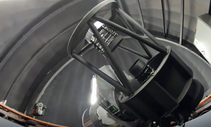"""Sudafrica, il primo telescopio al mondo che """"guarda e ascolta"""""""