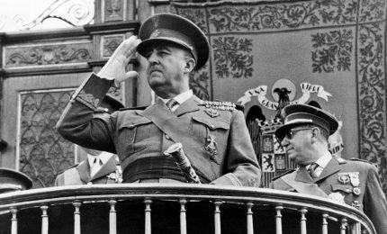 In Spagna il governo Sanchez vuole traslare i resti di Franco