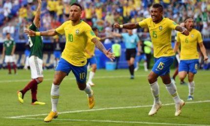 Brasile-Messico 2-0, sudamericani ai quarti