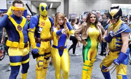 Apre Comic-Con 2018, i cosplay dei supereroi in coda all'ingresso