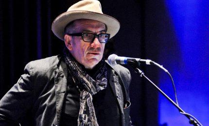 """Elvis Costello annulla tour: """"Mi sono operato di cancro"""""""