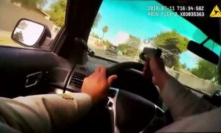 Las Vegas, poliziotto spara attraverso il parabrezza