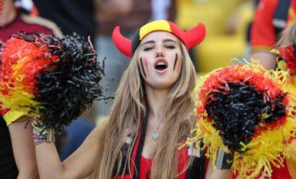 L'ultima trovata della Fifa: niente più immagini di tifose attraenti, è sessismo