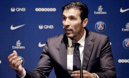 """La prima conferenza stampa di Buffon per il PSG: """"Merci"""""""