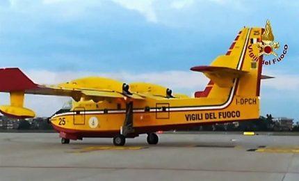 La partenza dei Canadair italiani diretti in Grecia