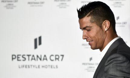 """Cristiano Ronaldo passa alla Juventus: un affare da 105 milioni. """"Comincio un nuovo ciclo"""". E il titolo schizza in Borsa"""