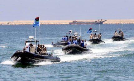Migranti, Open Arms sbarca Josefa in Spagna. L'Ong porta la Libia e l'Italia in tribunale per omissione di soccorso
