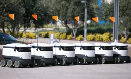 I cinesi copiano l'Italia, Pechino sperimenta i robot-fattorini