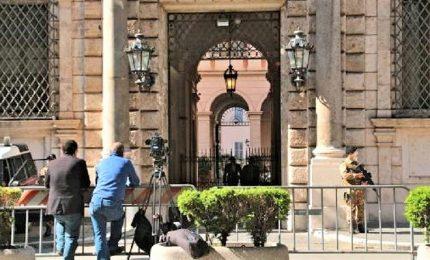 """Motivi sentimentali, militare 25enne dell'Esercito si suicida a Palazzo Grazioli. E' polemica su """"Strade Sicure"""""""