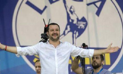 """Salvini lancia la Lega delle Leghe in Europa per """"difendere"""" i propri confini"""
