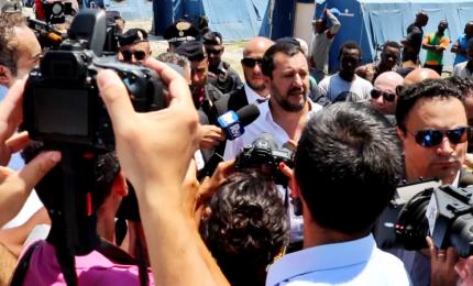 "Salvini nella tendopoli San Ferdinando: ""Una vergogna"""