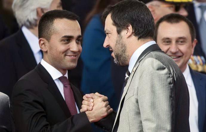 Iscritti M5S votano contro processo a Salvini. Il ministro ringrazia