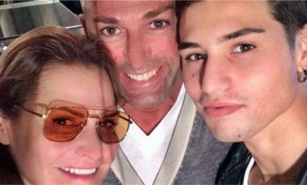 """Accoltellato il figlio di Simona Ventura. La conduttrice: """"Niccolò si sta riprendendo"""""""