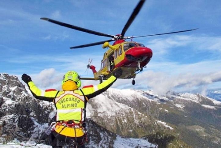 Precipita su cascate di ghiaccio, morto alpinista in Valsusa