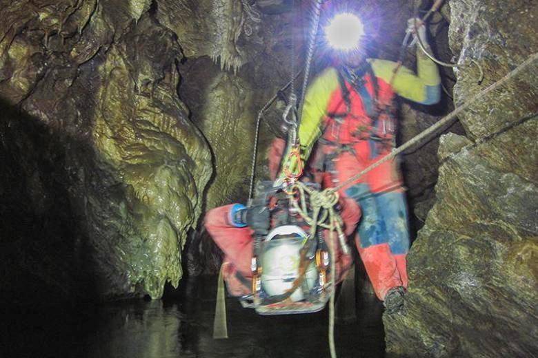 Speleologo ancora intrappolato in una grotta nel cuneese