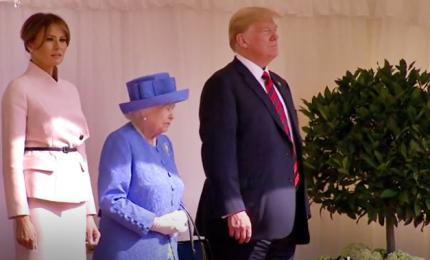 Trump ricevuto al Castello di Windsor dalla regina Elisabetta