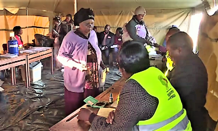 In Zimbabwe prime elezioni post-Mugabe, code ai seggi