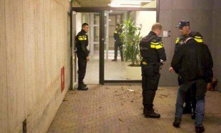 Amsterdam, due persone accoltellate alla stazione centrale