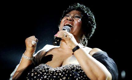 """Addio ad Aretha Franklin regina del soul e dell'R&B, la cantante si è spenta a 76 anni. Trump: """"Ci mancherà!"""""""