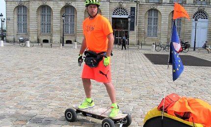 La sfida di Fabrice, il giro del mondo con lo skate elettrico