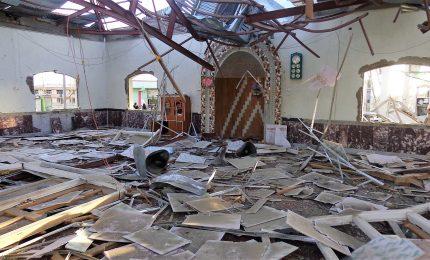 Duplice attacco suicida a moschea, almeno 30 morti e oltre feriti in Afghanistan