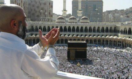 Oltre due milioni di pellegrini pregano per la festa di Hajj