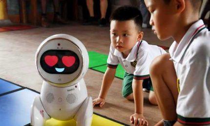 I robot cantastorie arrivano negli asili cinesi