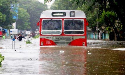 India, monsoni devastano Stato del Kerala: almeno 106 morti. Oltre 150mila i senzatetto