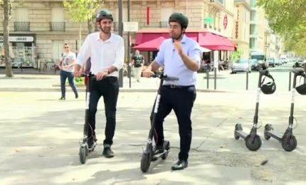 Mobilità sostenibile, Parigi sceglie i monopattini elettrici