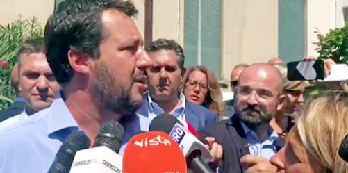 Crollo Genova, Salvini: Autostrade sospenda subito i pedaggi