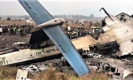 Superstiti schianto aereo in Messico: un miracolo