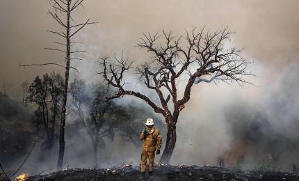 La California continua a bruciare, anche il Cleveland in fiamme. Salgono a 8 le vittime