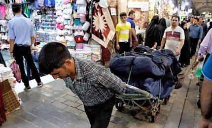 L'Iran si prepara a sanzioni Usa con arresti, economia in ginocchio
