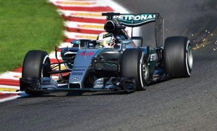 Piove sulle qualifiche, Hamilton in pole. Vettel in prima fila e Raikkonen sesto