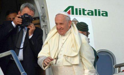 Chiuso il viaggio del Papa in Africa, Bergoglio riparte per Roma