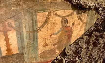Lavori in corso a Pompei, emerge affresco Priapo nei versanti Regio V
