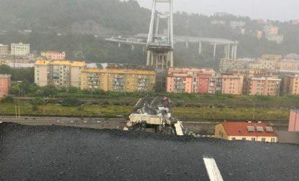 Non crolla solo un ponte, ma l'intera Italia