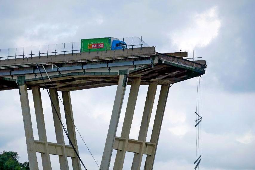 Sale a 60 numero degli indagati per il crollo del ponte Morandi