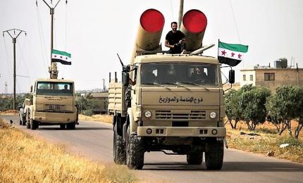 """Siria, regime pronto a """"liberare tutto il territorio"""" dall'Isis. E l'alleata Russia invia navi e aerei"""