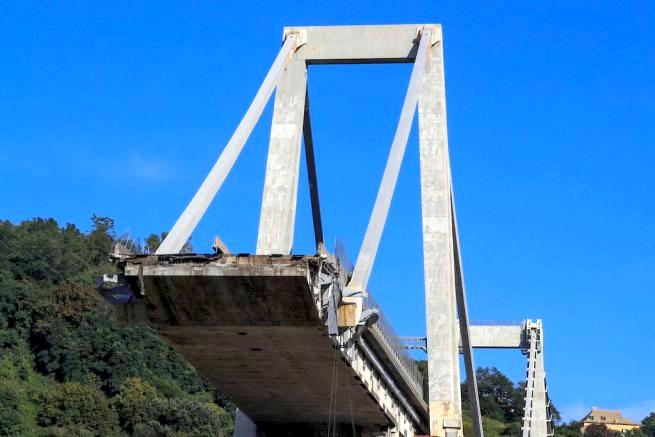 Procura sequestra parte del ponte. L'ing. Brencich: ipotesi ragionevole rottura di uno strallo