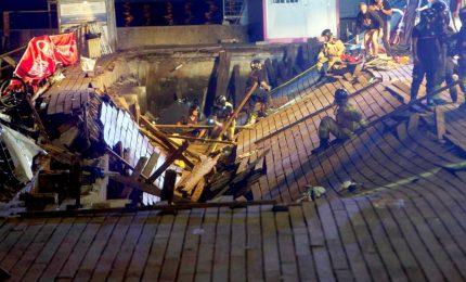 Crolla a Vigo una piattaforma a festival musicale, oltre 300 feriti