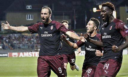 Milan parte al minimo, decide gol Higuain