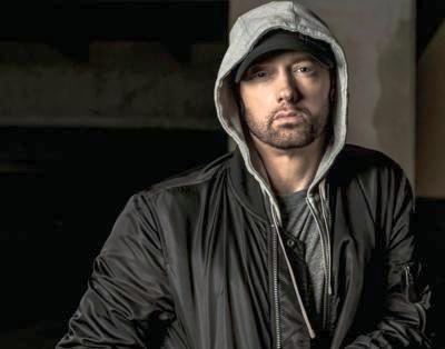 """Eminem festeggia sui social undici anni da """"sobrio"""""""
